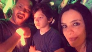 menino com autismo se emociona em show do coldpay