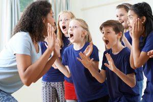 Técnicas de teatro para pessoas com autismo - tratamento para o autismo